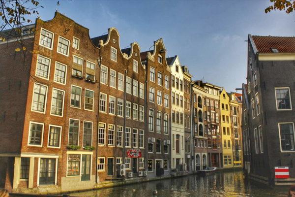 Amsterdam_Oudezijds Voorburgwal