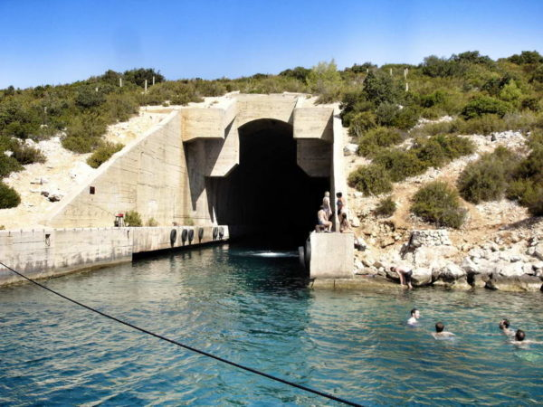 Vis_Submarine Tunnel