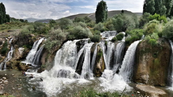 Van_Muradiye Waterfall