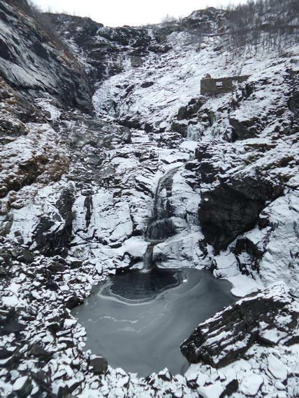 Flåm_Kjosfossen Waterfall