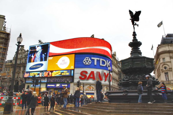 London_Piccadilly Circus & Statue of Eros