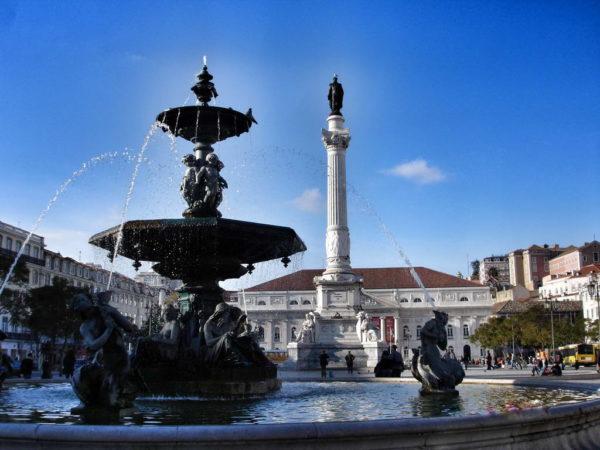 Lisbon_Fountain & Column to Dom Pedro IV