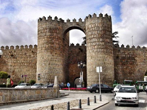 Avila_Puerta de San Vicente