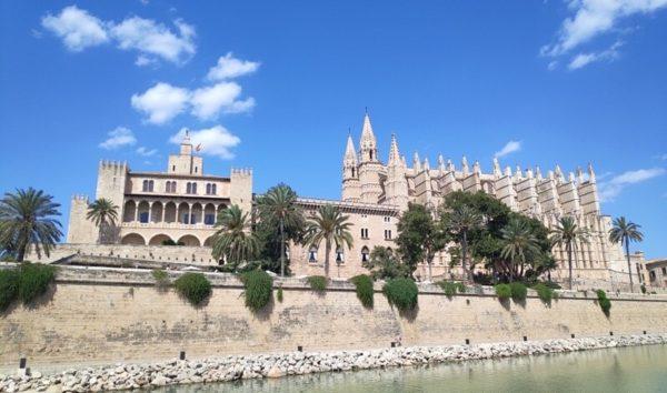 Mallorca_La Almudaina Palace & La Seu Cathedral