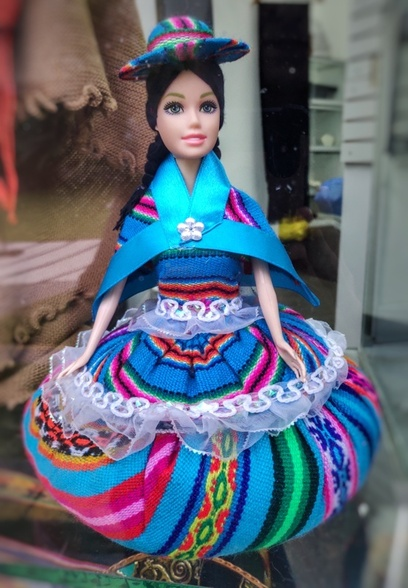 Lima_Traditional Clothes (2)