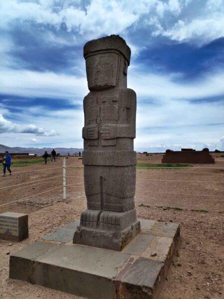 Bolivia-Tiwanaku-Estela Ponce