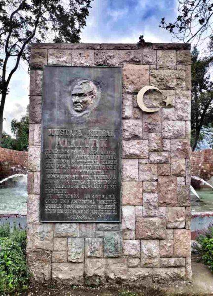 Chile-Santiago-Ataturk Monument