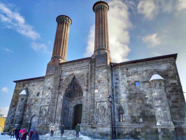 Erzurum_Çifte Minareli Madrasah 2