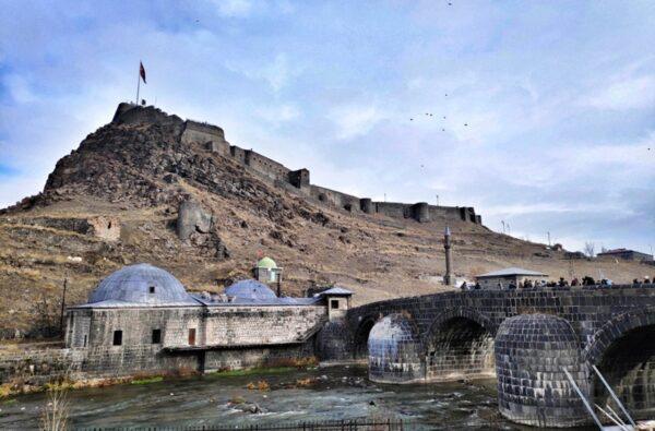 Kars_Castle_Taşköprü