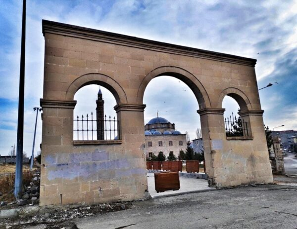 Kars_Castle Gates 3