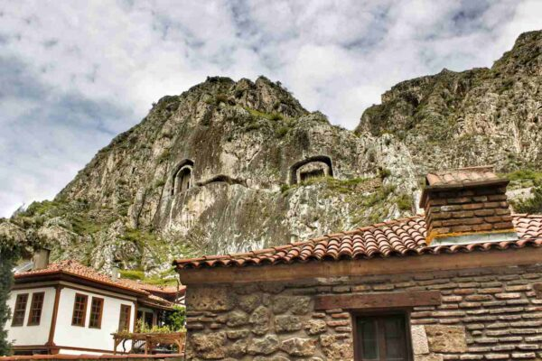 Amasya_Rock Tombs of the Kings (5)