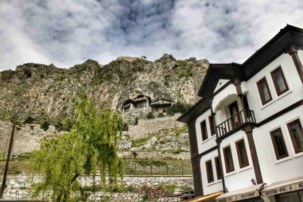 Amasya_Rock Tombs of the Kings (7)